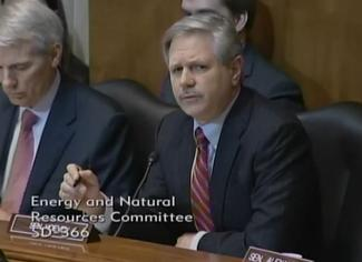 Sen. Hoeven speaks at the ENR business meeting to consider the Keystone XL Pipeline.